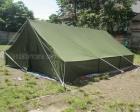 Stok tenda bencana jumlah banyak